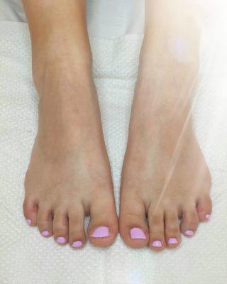 Du Girly sur les pieds 💗 Pose de vernis semi-permanent 💅