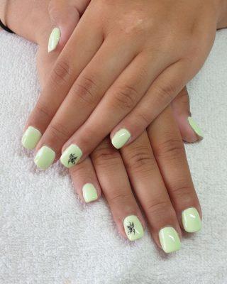 Un joli Vert lumineux 💚🥰 Remplissage en gel 💅