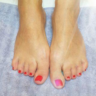 Des jolis pieds élégant ❤ Pose de vernis semi-permanent 💅
