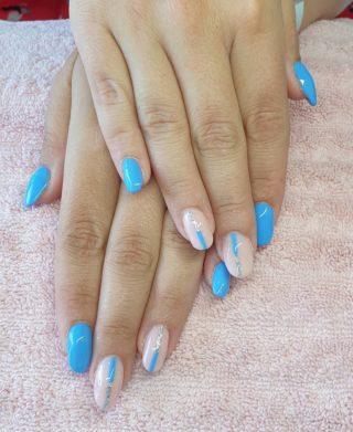 Un joli bleu d'été 💙🥰 Remplissage en gel 💅