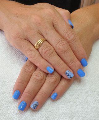 Un joli bleu pétillant 💙 Pose de vernis semi-permanent 💅